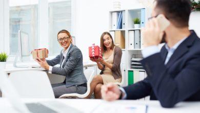 Что подарить коллегам недорого