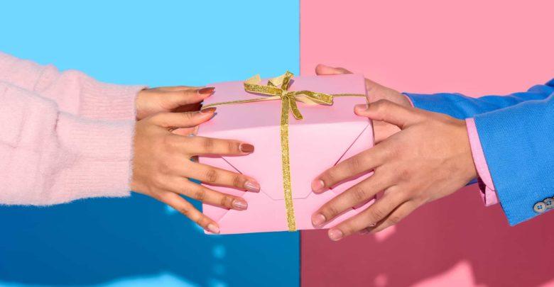 Можно ли дарить даренные подарки
