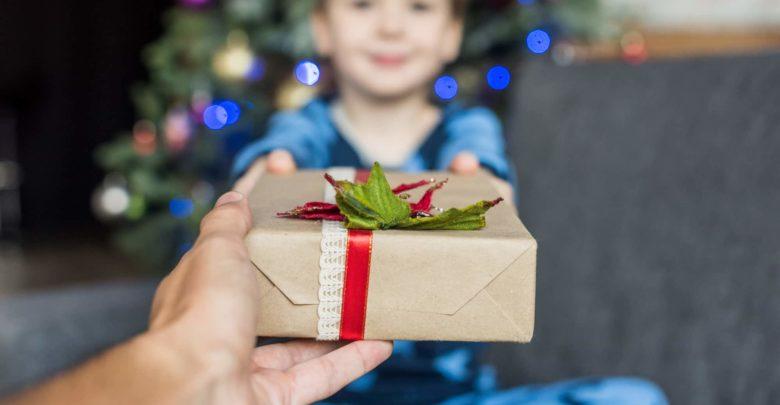 Какую игрушку подарить мальчику