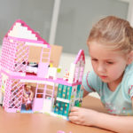 Что можно подарить девочке на 7 лет?