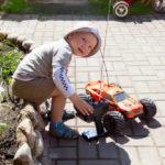 Что можно подарить мальчику на 5 лет?