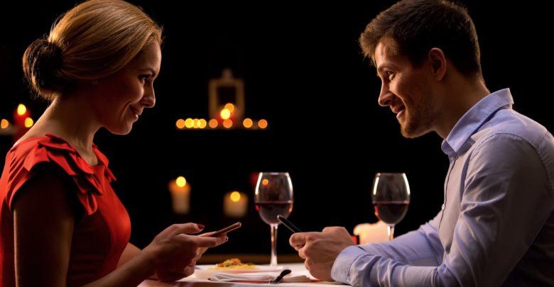 Что подарить на годовщину знакомства
