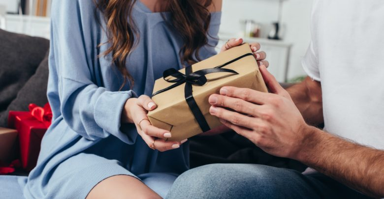 Что подарить любовнику на день рождения