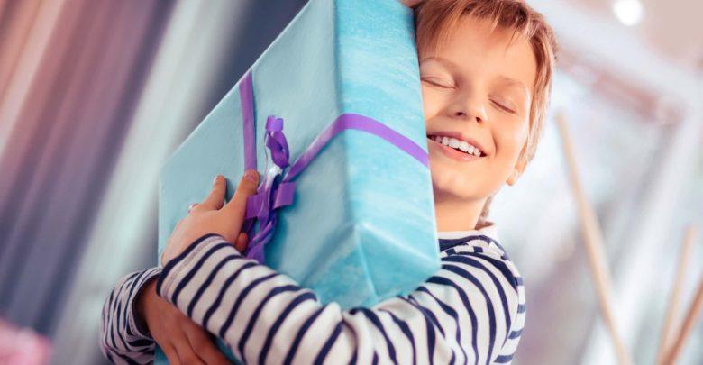Что можно подарить мальчику на 11 лет
