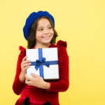 Что подарить на новый год ученикам 5 класса?