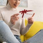 подарок жене друга