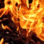 Подарки от бывших мужей (парней) лучше выбросить или сжечь