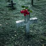 Подарок на похороны: нужен ли он? Что выбрать?