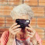 Что подарить женщине в возрасте 60 лет