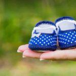 Что подарить беременной девушке