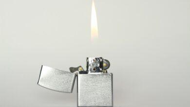 Можно ли дарить зажигалку