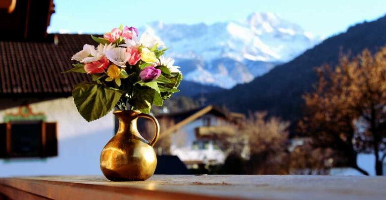Можно ли дарить искусственные цветы
