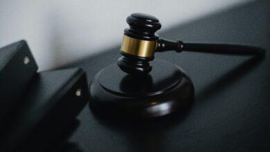 Что подарить адвокату