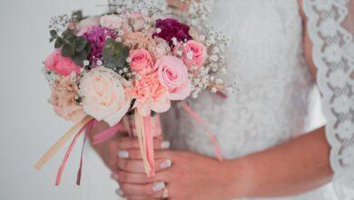 Что подарить на атласную свадьбу