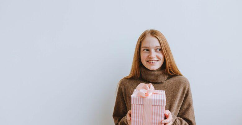 Что подарить племяннице на 18 лет