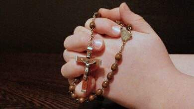 Что подарить православной женщине