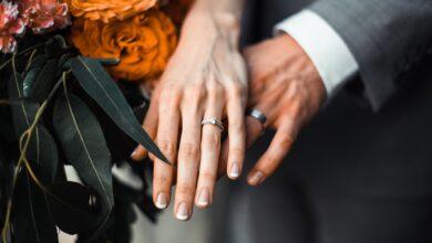 Что подарить на бархатную свадьбу