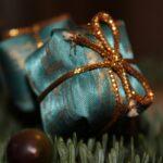 вариант упаковки подарка на новый год